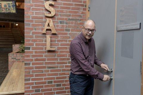 PÅ FØRDEHUSET: Johan Bengtsson, leiar for kultureininga i Førde kommune.