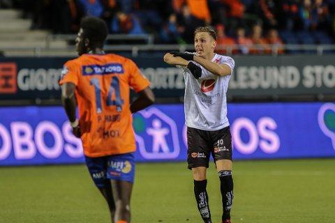 FORLET SOGNDAL: Joachim Soltvedt er no klar for Sarpsborg 08. Her er han under kvalifiseringa til opprykk til eliteserien i 2018, mot Aalesund.