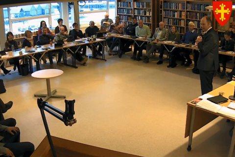 KOMMUNESTYRE: Tysdagens kommunestyremøte i Jølster kan følgjast her.