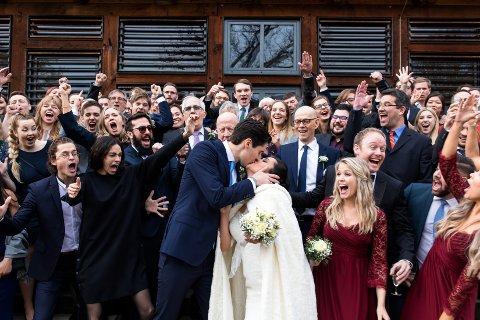 KJÆRLEIK: Vennar og familie hadde teke turen til Tyskland for å feire kjærleiken mellom Carmen Vie Wilke og Robert Lennart Wilke.