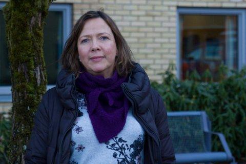 STREKT: Linda Kvalheim opplevde filmen om fylkesveg 609 som sterk og rørande då den vart vist for pendlarane på eit folkemøte på Høgda i Kvammen.