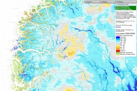 SNØMENGD: På kartet indikerar fargane kor mykje snø det ligg i henhold til normalen.