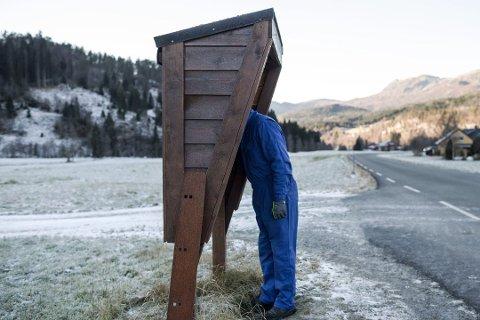 TOMT? Ingunn Kandal, fylkesleiar i Raudt, meiner det må vere postombering i heile landet seks dagar i veka.