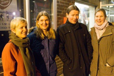 KANSKJE LITT LETTA?: Lærarane (f.v.) Kari Viken, Berit Ekerbakke, Rune Thingnes og Inger Grønntun etter å ha sett revyen.