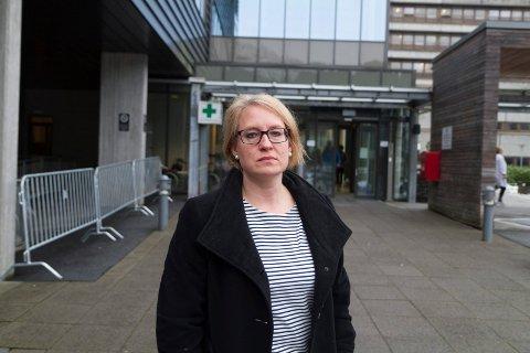 ALVORLEG: – Dette er tungt for oss alle, sa fungerande fagdirektør Kristine Brix Longfellow, etter fallulukka ved Førde sentralsjukehus i januar.
