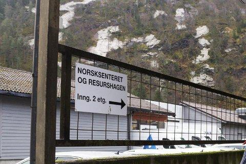KUTT: Førde norsksenter må ta ei kraftig nedbemanning. (Arkivfoto)