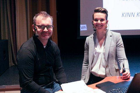 INGEN PROBLEM: – Vi skal vere glade for at Florø blir styrkt, seier Kristin Maurstad (Ap), her saman med Flora-ordførar Ola Teigen (Ap).