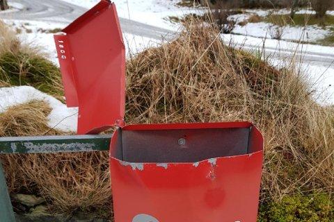 HÆRVERK: Fleire personar fekk postkassa si sprengt natt til 8. januar. I tillegg fekk Posten sjølv sprengt si postkasse i Andalen.