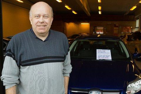DEBATT: Roald Orkelbog frå Førde er seljar ved Orkelbog Bil. No har innlegget hans på Facebook skapt debatt.
