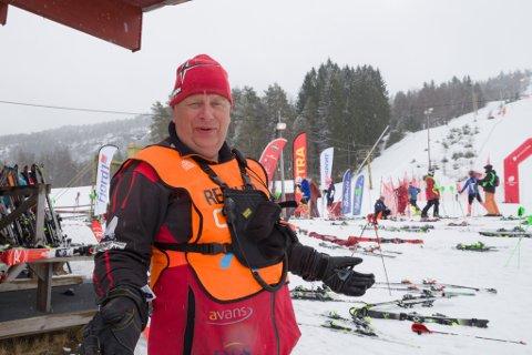 NØGD: – Vi hadde ikkje greidd oss utan dei frivillige, seier rennleiar Atle Hamar om arrangementet i skibakken på Jølster.