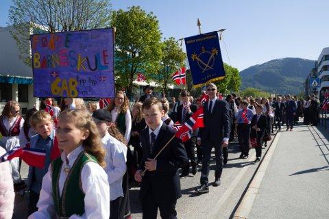 NASJONALDAGEN: Slik plar små og store feire nasjonaldagen i Førde. Men  17. mai 2020 blir ikkje som vanleg.