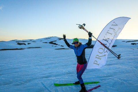 TOK VERDSREKORD: Malene Blikken Haukøy tok ny verdsrekord i høgdemeter på ski i løpet av 24 timar.