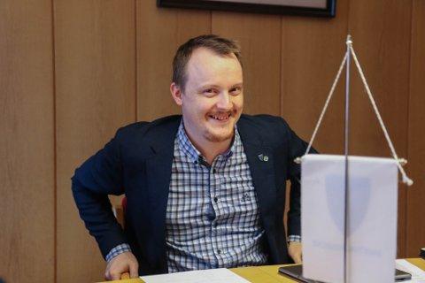 """Er det vilje til ein fellesskule i ein ny «Fjorden skulekrins""""?  spør Erlend Haugen Herstad"""