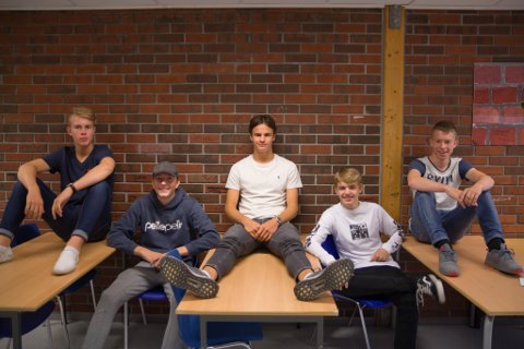 Frå venstre: Eirik Årdal Hjelm, Heine Sletteland, Kristian Bell, Anders Hauge og Oskar Brennersted.