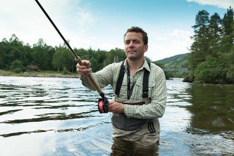 SPORTSFISKAR: Vegard Heggem er prosjektleiar i organisasjonen Norske lakseelver. Han meiner det er mykje å hente på å endre organiseringa av fisket i Nausta.
