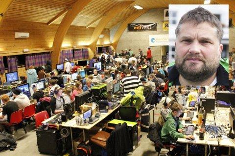 REAGERER: Gloppen-ordførar Leidulf Gloppestad vil ta opp med eigarkommunane at Sunnfjord utvikling arrangerer eit datatreff som konkurrerer med det frillige arrangementet bLAN på Breim.