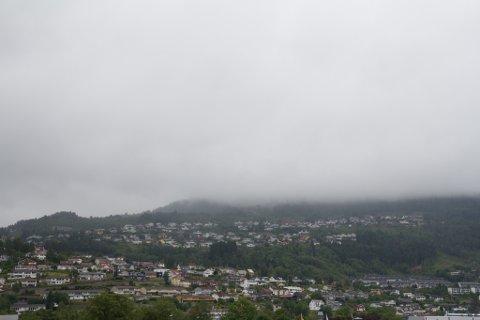 TYSDAG: På tysdag kan det kome opp mot 30 mm nedbør.