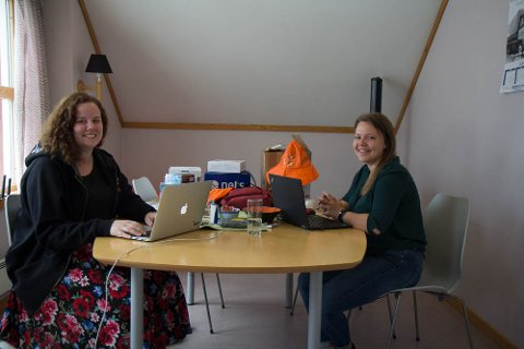 MYKJE PLANLEGGING:Andrea Helle Strømmen og Aina Vårdal Heggøy har lenge planlagt årets Skjærgårdstreff. No er det like før festivalen er i gang, og dei gler seg.