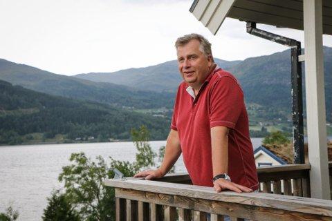 ORDFØRARAMBISJON: Atle Hamar (V) var tidleg ute og melde seg på i ordførarkampen i Sunnfjord.