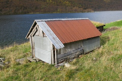 VIL BYGGE NY: Audun Rygg ville bygge ny hytte på støylen sin, men fekk ikkje lov. Ein av grunnane til at han fekk avslege er at han har dette selet frå før som han heller kan sette i stand og eventuelt utvide, skriv sakshandsamar Alf Erik Røyrvik.