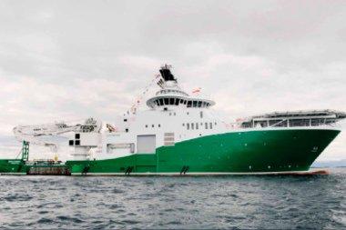 BERGA EIN MANN: Havila Subsea frå reiarlaget Havila Shipping berga ein mann på fraktebåten utanfor Askvoll.