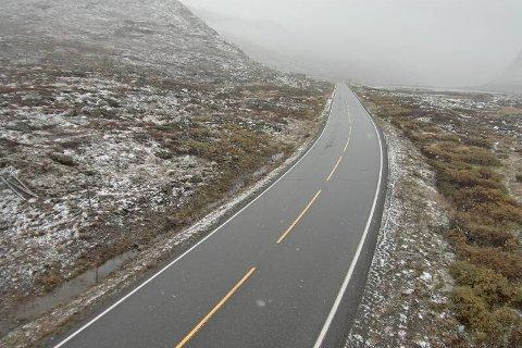 HEMSEDAL: Bilde tatt på riksveg 52 over Hemsedalsfjellet klokka 09.07 torsdag morgon, 1140 meter over havet.
