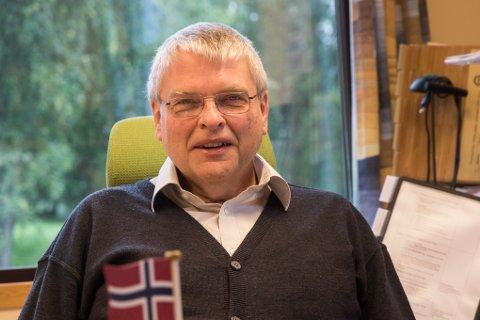 NØGD: Rektor ved Sande skule, Rune Kvammen, var godt nøgd då hurtigtestane kom tilbake negative.