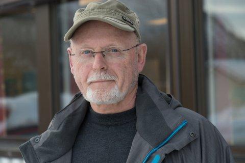FORUNDRA: Sverre Farsund er forundra over at BOB ikkje bryr seg med å svare når dei får invitasjon til å sjå på eit tomteland med 95 husvære i Førde sentrum.