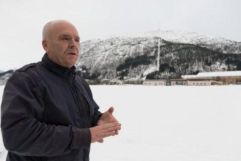 INDRE ØYRANE: Bjarte Roska vart kontakta av BOB og hadde fleire møte med dei. Familien eig eit stort område mellom den vidaregåande skulen og Løken.