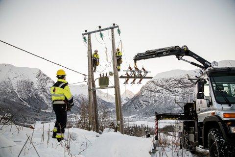 FUSJON: – Eg tillet meg også å meine det er ein viss inkonsekvens i å vere urokkeleg i trua på stordriftsfordelar i eit stort vestlandsk selskap med BKK i førarsetet, men ikkje sjå særlege synergiar mellom SFE og Sunnfjord Energi, skriv Johannes Rauboti, konsernsjef i SFE.
