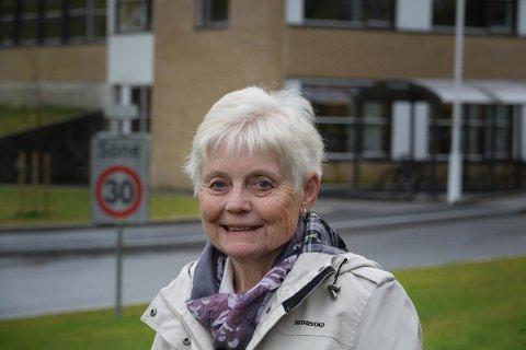 PÅ TIDE: Laila Oppedal, medlem av eldrerådet, meiner det er på tide at forholda til eldre kjem på dagsordenen: – Vi har etterlyst forholda.
