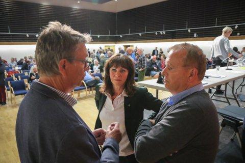 NARR: Helge Robert Midtbø (AP) meiner at Håkon Myrvang (Ap) og Jenny Følling (Sp) overkøyrer fleirtalsviljen i kommunestyret, ved å akseptere Direktoratet for mineralforvaltning sitt svar på Nordic Rutile sin søknad om driftskonsesjon.
