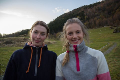 JEGERAR: Terese Tenden og Helene Wilson (t.h.) har jakta saman i eitt år.