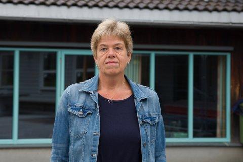 REKTOR: Anne Kristin Finsveen Midtbø, rektor på Sunde skule, oppdaga hærverk på skulen nok ein gong ei helg i september.