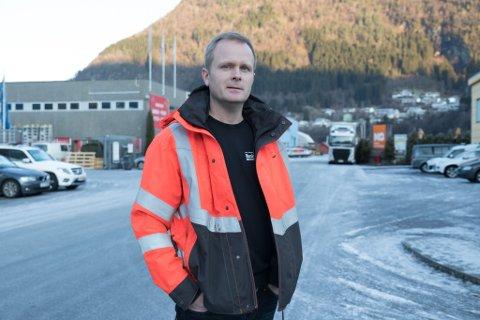 VIL VEKSE: Geir Harald Kapstad søker no tre nye til entreprenørbedrifta si.