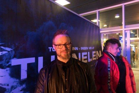 AMK: Roger Andre Vie Hansen jobbar ved AMK-sentralen, og han spelte seg sjølv i filmen.