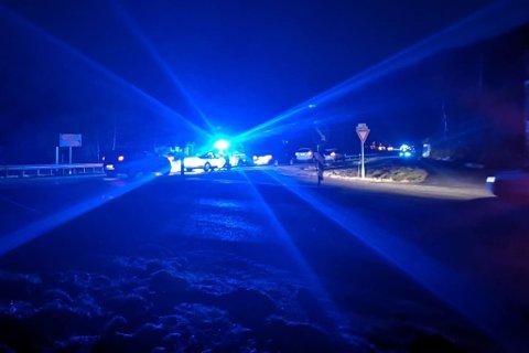 ULYKKE: To bilar har krasja ved Svarthumle utanfor Naustdalstunnelen på rv.5 i morgontimane tysdag.