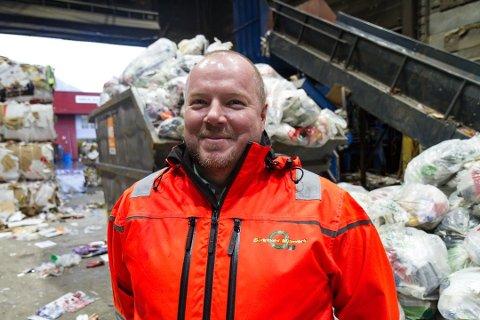 SOM VENTA: Rådgjevar i SUM, Arne Øvrebø, er nøgd med resultatet frå plastinnsamlinga i januar.