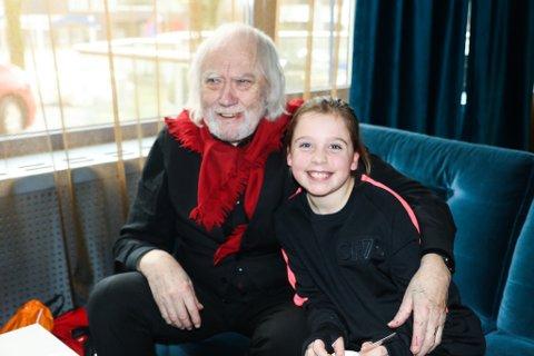 MØTE: Emilie Tangen Mo var utruleg glad for at Oddvar Torsheim tok seg tid til å møte ho.