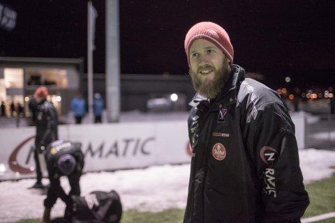 VIDARE I NM: Førde og trenar Gisle Isene tok seg laurdag vidare i NM-cupen, etter å ha slått Studentspretten 2–0.