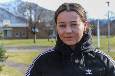 MISTA MORA: Det er under eit halvt år sidan Marita Vangen Bredesen (17) mista mora til kreft, i dag skal ho gå for mora under russeaksjonen «Krafttak mot kreft».