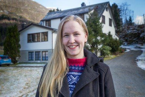 KLESGRÜNDER: Esther Nordvik har starta nettbutikken Dress Up Viking, med base i Redalen, der ho bur.