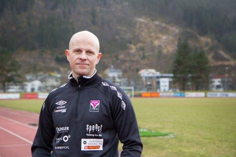 POSITIV: Bjørn Kleppenes er leiar i friidrettsgruppa i idrettslaget. Han trur norgesmeisterskapen vil vere bra for Førde.