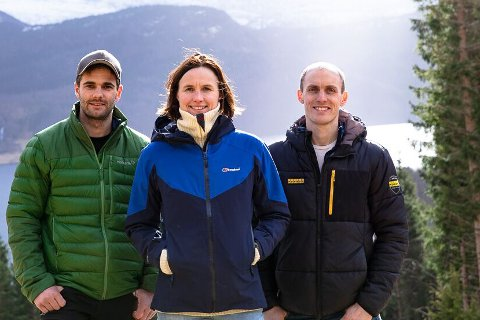 FÅR IKKJE ATTVAL: I to år har Ingunn Kjelstad vore styremedlem i Norges Skogeierforbund. No vert ho kasta ut, etter at ho starta Fjordtømmer AS saman med Tarje Kusslid (t.v.) og Martin Braanaas.
