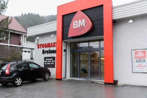 TAP: Byggmakker Bruland har tapt nær 400.000 kroner på materiale brukt til renoveringa av Thon Hotel Førde.