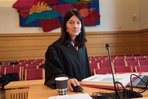 REDUSERT: Førstestatsadvokat Elisabeth Harbo-Lervik i Økokrim måtte tole at ein omfattande påstand vart kraftig redusert i Frostating lagmannsrett.
