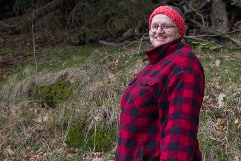 MISTA BÅTEN: Lill Olsen skulle køyre sonen sin til ekspressbåten frå Askvoll til Bergen, men på grun av stengd veg mista ho båten.