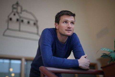 LETTTARE: Mikael Johansen i Multi Maritime trur det vert lettare å rekruttere fagfolk i Førde enn i Florø.