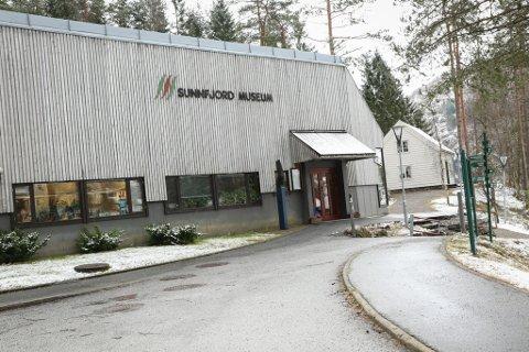 MOVIKA: Dagens administrasjonsbygg gir dei tilsette ved Sunnfjord Museum arbeidstilhøve som ikkje fyller krava i Arbeidsmiljølova.