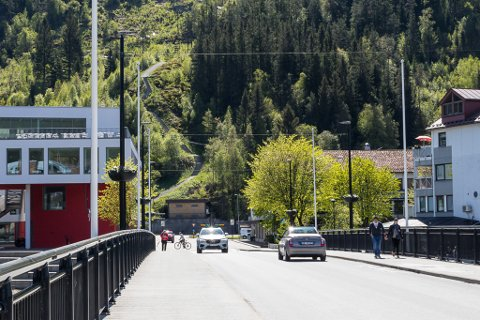 FJELLPARKERING: Rambøll meiner ein fjellhall med tilkomst frå krysset mellom Fjellvegen og Langebruvegen er eit godt alternativ til parkeringshus andre stader i Fjellvegen.